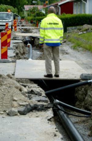 Sundsvall Energi har i dag runt 15 anställda som jobbar med utbyggnaden av fjärrvärmen. Entreprenörerna som sköter grävningar och installationer; Norrlandspojkarna, YIT och JSI Rör har ytterligare cirka 40 personer i arbete med utbyggnaden.