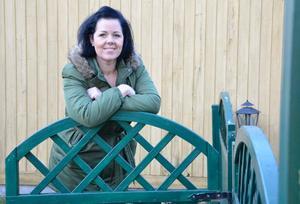Vardagens glädje. Hon vill leva i nuet och tycker det är underbart att glädja andra. Linda Örtlund bjuder på sig själv och då gärna med en sång.