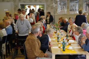 Middag för 80-plussare i Folkparken i Ljusdal