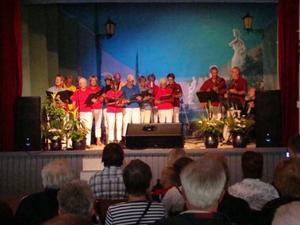 Kören Sångkraft sjöng Läsarsånger.