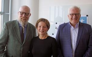 Daniel Nordström, VLT, Cilla Benkö, Sveriges Radio och Kent Nilsson, Sveriges Radio Västmanland enades om en gemensam arbetsgrupp som ska titta på hur tidningarna och Public Service-bolagen bör förhålla sig till varandra när de möts på samma digitala arena.