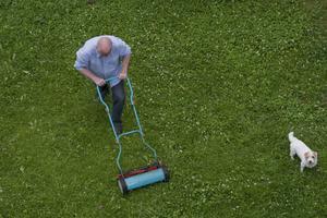 Dags att klippa gräset? Välj rätt gräsklippare.