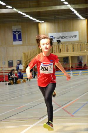 Vidar Kempe, 60 meter, sprang också 60 meter för Sundsvalls FI.