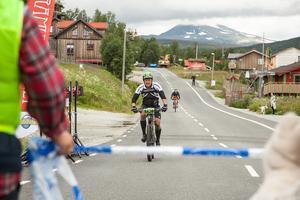Målgång för Daniel Gahne från Gotland som cyklade 40 kilometer.