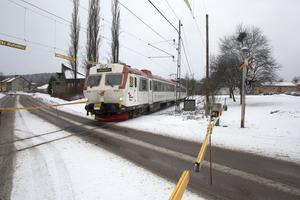 Med mötesspår i Ramnäs kan trafiken på Bergslagspendeln ökas till ett tåg i timmen, enligt kommunledningen. Med bättre förbindelser tros Bergslagspendeln ha möjligheter att attrahera resenärer som i dag väljer dalabanan.