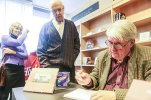 Härje Jonasson hade inte räknat med att någon skulle vilja skriva en bok om hans upplevelser som eldare på Svegs sjukhus.