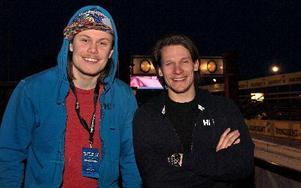 Eric Widerdal startar i tredje ledet i morgon och Filip Hammarström i led sex. – Jag nästan hatade längdskidor förut – nu står vi här och ska åka Vasaloppet! säger Filip. Foto: Jennie-Lie Kjörnsberg