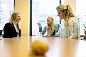Emma Ivarsson, 19 år, Sara Ivarsson, 16 år, och Amanda Johansson, 17 år, är alla aktiva inom MUF, Moderata ungdomsförbundet, och har nyligen lämnat in ett medborgarförslag till Östersunds kommun. Det handlar om att avskaffa den vegetariska dagen i skolan.