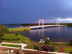 Strömsundsbron strax innan regnskuren.