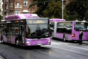 Nya lila stadsbussar i Örebro som går på Biogas
