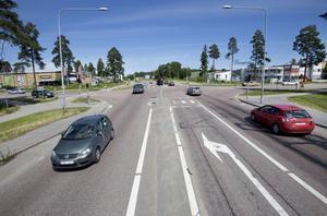 Det kostar Gävle kommun sju miljoner kronor att bygga den nya rondellen. I dagsläget är Österbågen starkt belastad och varje dygn passerar 18 000 fordon här.