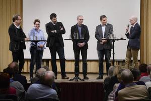 Kvällens första panel bestod av Håkan Brynielsson, SKL, Susanne Öberg, LRF, Oliver Dogo, Handelskammaren, Sten-Olov Altin, Länsstyrelsen, Jan-Erik Iversen, Företagarna och Marcus Bohlin, Sundsvalls Tidning.