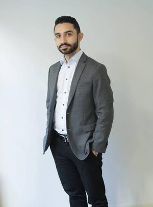 Daniel Riazat (V).