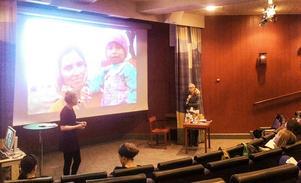 Josefina Hilding, samordnare för EU-migranter i regi av Svenska kyrkan i Östersund, och Catarina Lundström, regional biblioteksutvecklare.