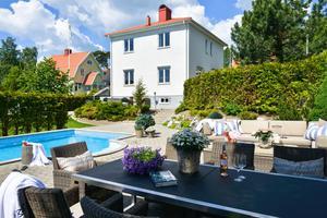 En villa på Stallhagen har sålts före visning för närmare 8,5 miljoner kronor. Villan på 159 kvadratmeter har fem rum. Huset är byggt 1937.