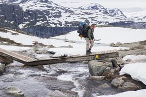Trolltunga, Norge, med packning på cirka 38 kg.