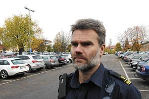 Utredningschefen Pär Israelsson noterar att serien av stölder och inbrott i Söderbärketrakten var mer omfattande än man bedömde i förra veckan.