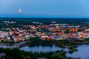 Måne över Östersund.