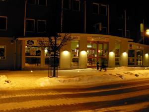 Operaentré. Med digital teknik kom den stora operavärlden till lilla Smedjebacken och Folkets hus på lördagskvällen.