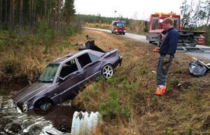Brandmanskapet från Bräcke fick även ta hand om utrunnet bilbränsle.
