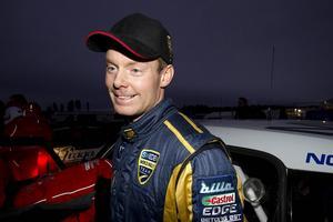 Patrik Sandell som bor i Åre under vinterhalvåret är det stora hemmahoppet när det körs rallycross på Åresjön.