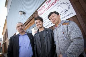 Arif tillsammans med vännerna Zalmaj och Zahiraddin Zerdashi.