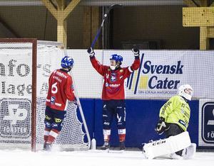 Jonas Edling har laddat om och fick en skön start på säsongen med två mål i hemmapremiären mot Gripen.