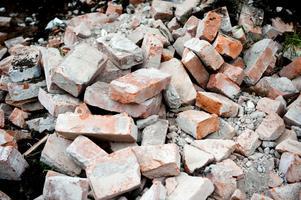 Det hade enligt Ola Malm varit enkelt att plocka ner skolan sten för sten, så att teglet hade kunnat användas på nytt.