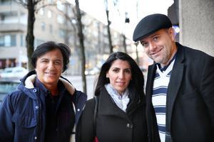 Södertäljebon Nuri Kino tillsammans med Helma Adde och Jordan Allot, personerna bakom filmen Our last stand.