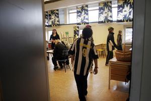 I Nordanstigs kommun är eleverna i årskurs fem betydligt mer nöjd med skolan än vad niondeklassarna är. Det framkommer också att killarna i Nordanstig är något mer nöjd med skolan än tjejerna.