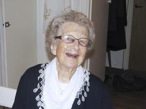 """Jubilar. Etthundra år fyller Edith i dag. """"Jag har haft turen att få vara frisk"""", säger hon. Det är bara hörseln som det är lite dåligt med."""