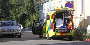 Två bilar kolliderade i korsningen av Skeppsdalsvägen och Östra Tullgatan i Hudiksvall.
