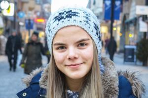 Linnéa Espell, 16 år, Frösön: – Nej. Jag har varit utan sötsaker i nästan ett år nu, men det var inget nyårslöfte.