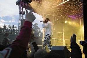 Det var skön stämning när rapparen Lamix uppträdde i fjol. Festivalen syftar till att främja ungdomars intresse för musik och kultur, men också lyfta Pangea och Tallnäs som plats.