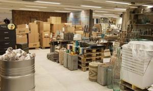 3500 föremål ryms på den 1300 kvadratmeterstora butiksytan.