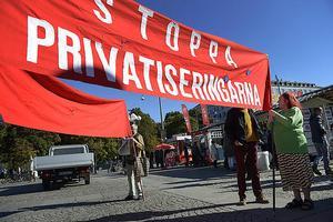 Privatiseringar urholkar den solidariska välfärdsstaten.
