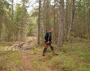 Per Åke Persson, vid en uppriven skoterled.