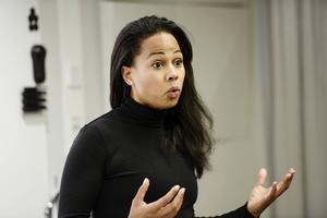 Skribenterna ger minister Alice Bah Kuhnke betyget 3 efter det första året som ansvarig för kulturen.
