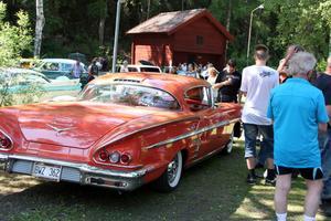Dragplåster. Hamrånge motorklubbs årliga bil- och mc-utställning är ett välbesökt resmål i pingsthelgen.