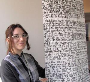 Johanna Willenfelt, Göteborg, har arbetat med begrepp som kronisk smärta i sina verk på Hållplats Konst i Landstingets ledningskontor.