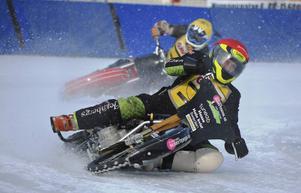 Posa Serenius och Conny Fastesson tog fyra poäng vardera till Gävle i isracingpremiären.