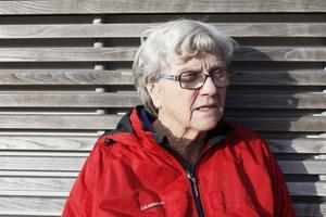 Kerstin Salomonssons man Allan tappade allt tal efter en stroke 1979. Hon har fått bli tankeläsare för att kunna kommunicera med sin partner.