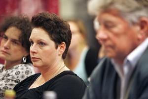 Annika Forsström Nordvall (C) följde spänt omröstningen som till slut gjorde henne och inte Bo Bergström (AfR) till oppositionsråd.