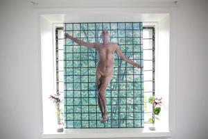 Konstnären som konst. Provokatören Kjartan Slettemark använde ofta bilder av sig själv i konsten. Ars Verlonga.