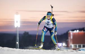 Elisabeth Högberg fick en kraftfull reaktion efter torsdagens succé. Svenskan sköt två bom och slutade 47:a.