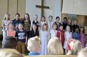Skolavslutning i Bergskyrkan 2015, Laxå. Klass 2 Kanalskolan.