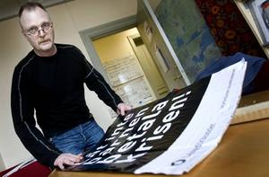 Stefan Thunström på Lärarförbundet oroar sig          för vilka konsekvenser det får om skolan måste spara extra på grund av lågkonjunkturen.