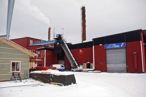 Nya fjärrvärmecentralen är i gång och levererar värme till fastigheter i Rättvik.