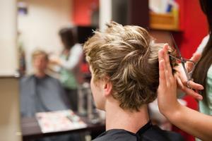 Skador efter hudterapi, missyckad plastikkirurgi eller blev bara frisyren fel? Om man anser att till exempel frisören gjort ett dåligt jobb ska man direkt ett foto. Man ska inte gå till en annan frisör för att rätta till felet, då undanröjer man bevisen.