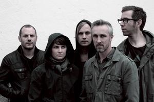 Magnus Thorsell, Zarah Andersson-Knut, Fredrik Hast, Magnus Löfström och Mikael Anderssn-Knut har gjort en skiva med nerv.
